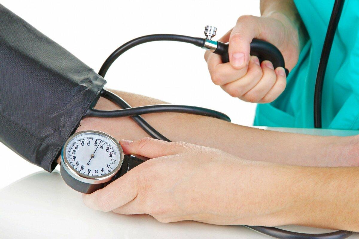 Снижаем давление без приема лекарств домашними методами: быстро и эффективно